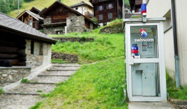 Anruf in die letzte Telefonkabine der Schweiz
